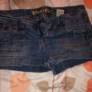 Hydraulic brand shorts